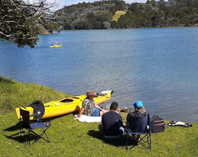 Auckland Sea Kayaks Jeanne Van Wyk, Shooting the Breeze