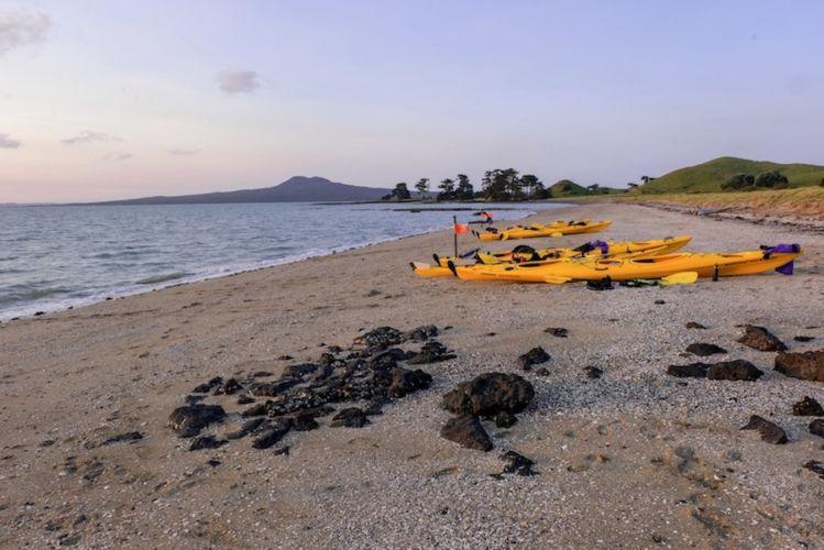Auckland Sea Kayaks St Heliers Bay Beach Tamaki Drive