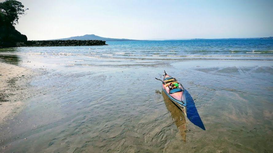 Auckland Sea Kayaks Adventures on Tīkapa Moana